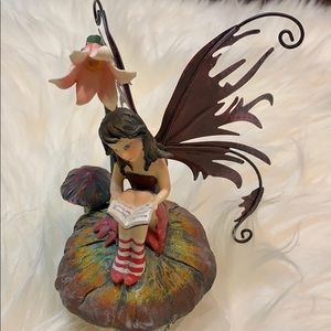 Fairy reading. Lights up